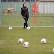 «Zu hundert Prozent»: Schneider bleibt VfB-Trainer (Foto)