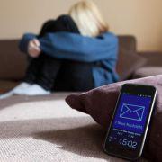 Sperren, löschen, ablehnen:Tipps gegen Cyber-Stalking (Foto)