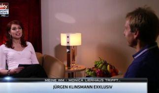 Zurück im Moderatorensessel: Monica Lierhaus interviewt Jürgen Klinsmann. (Foto)