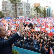 Erdogan gibt sich trotz Affären siegessicher (Foto)
