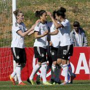DFB-Elf startet mit 5:0 gegen Island in Algarve-Cup (Foto)