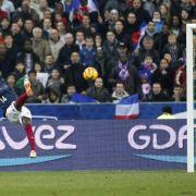 Frankreich schlägt Niederlande - England 1:0 gegen Dänen (Foto)