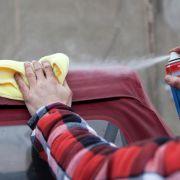 Ohne scharfeReiniger: So wird das Cabrio-Verdeck sauber (Foto)