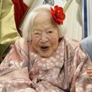 Alles Gute zum 116. Geburtstag, liebe Misao Okawa! (Foto)
