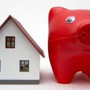 Günstige Baufinanzierung - Langfristige Zinsbindung zahlt sich aus (Foto)