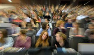 Sex-Mobbing an der Uni Potsdam: Wegen beleidigender Äußerungen hat ein Jura-Professor seine Studentin angezeigt. (Foto)