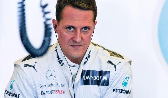 Michael Schumachers Familie weicht während seiner Zeit im Krankenhaus nicht von seiner Seite. Noch gestaltet sich die Aufwachphase aus dem künstlichen Koma langwierig.