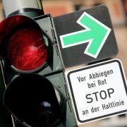20 Jahre Grüner Pfeil: Umstrittenes DDR-Erbe verwirrt noch immer (Foto)