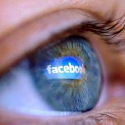 Facebook-Nutzer tappen in Nacktvideo-Falle (Foto)