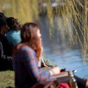 Der Frühling ist da: Volle Cafés, Biergärten und bald Spargel (Foto)