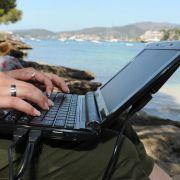 Die Reise der Daten - Wie gläsern darf ein Urlauber sein? (Foto)