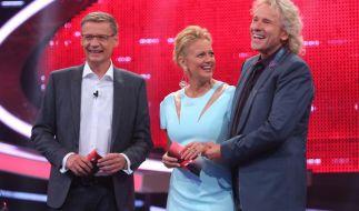 RTLs Dreigestirn schlägt wieder zu: Günther Jauch und Thomas Gottschalk mit Barbara Schöneberger. (Foto)