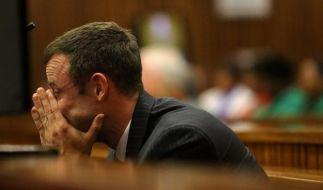 Im Mordprozess gegen Paralympics-Star Oscar Pistorius reagierte der Angeklagte heftig auf die Aussage des Pathologen. (Foto)