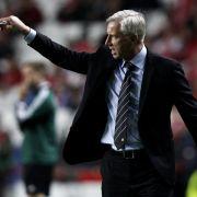 Newcastle-Coach Pardew für sieben Spiele gesperrt (Foto)