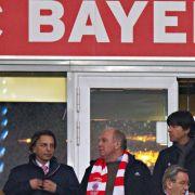 Löw im Zwiespalt: Schweinsteiger top und Özil verletzt (Foto)