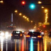 Nachtblindheit beim Autofahren kann an falscher Brille liegen (Foto)