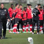 Stevens kokettiert vor VfB-Premiere mit seinem Image (Foto)