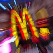 Mitarbeiter verklagen McDonald's wegen «Lohn-Diebstahls» (Foto)