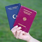 Länder bringen Doppelpass-Initiative in Bundesrat ein (Foto)