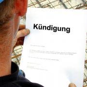 Bespucken von Kollegen rechtfertigt fristlose Kündigung (Foto)