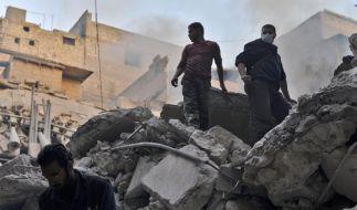 Durchhalteparolen am Jahrestag der syrischen Revolution (Foto)