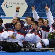 USA schlagen Russland im Sledgehockey-Finale (Foto)