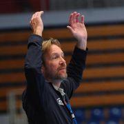Schwalb trotz Jubiläumssieg sauer auf HSV-Spieler (Foto)