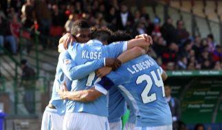 Lazio Rom kämpft um Anschluss - Milan verliert zu zehnt (Foto)