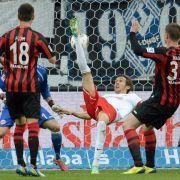Freiburg mit 4:1 in Frankfurt auf Rang 16 (Foto)