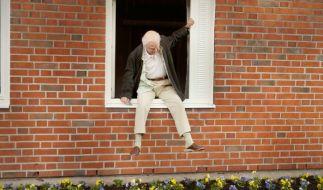 Der Hunderjährige, der aus dem Fenster stieg und verschwand... um sich aus der Langeweile zu befreien. (Foto)