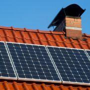 Solaranlage nach dem Winter auf Schäden prüfen (Foto)