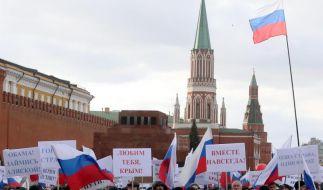 Hunderttausende Russen feiern Eingliederung der Krim (Foto)