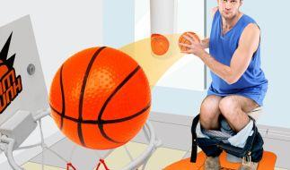 Mit dem Klobasketball-Set kommt auf dem stillen Örtchen garantiert keine Langeweile mehr auf. (Foto)