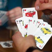 Beim «Ostbloque»-Skat wird mit Ost-Autos gespielt (Foto)