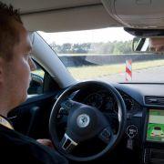 Autobranche fürchtet Rückstand im Wettlauf um Fahren 2.0 (Foto)