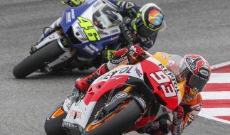 Valentino Rossi (hinten) und Marc Marquez wollen auch in dieser Saison wieder angreifen. (Foto)