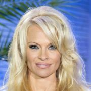 Pamela Anderson zieht sich wieder aus (Foto)