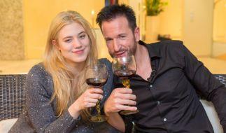 Hier ist die Welt noch in Ordnung: Larissa Marolt und Michael Wendler. (Foto)
