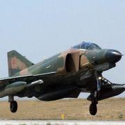 Türkische Luftwaffe schießt syrisches Kampfflugzeug ab (Foto)