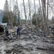 US-Rettungskräfte suchen Überlebende nach tödlichem Erdrutsch (Foto)