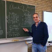 Wette verloren:Fernsehkoch Rach gibt Mathe-Unterricht (Foto)
