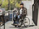 Jenke von Wilmsdorff im Rollstuhl: Fünf Tage lang führt der RTL-Reporter ein Leben im Rollstuhl. (Foto)