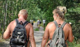 Wanderwege für Naturisten sind perfekt, um die Natur im wahrsten Sinne des Wortes hautnah zu erleben. (Foto)
