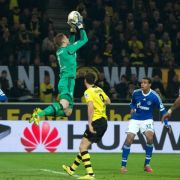Schalke feiert Derby-Helden Fährmann: «Sahnetag» (Foto)