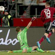 Drmic schießt Nürnberg zum 2:0 gegen den VfB (Foto)