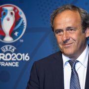 Platini vertagt Entscheidung über FIFA-Kandidatur (Foto)