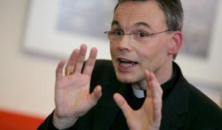 Limburgs Ex-Bischof Franz-Peter Tebartz-van Elst fühlt sich nicht verantwortlich für den Bauskandal. (Foto)