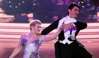 Erich Klann, hier bei Let's Dance an der Seite von Magdalena Brzeska, macht alles richtig. (Foto)