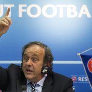 Platini und Blatter gegen WM-Boykott in Russland (Foto)