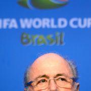 Blatter befürchtet neue Massenproteste vor der WM (Foto)